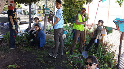 Lick Wilmerding students lend a hand